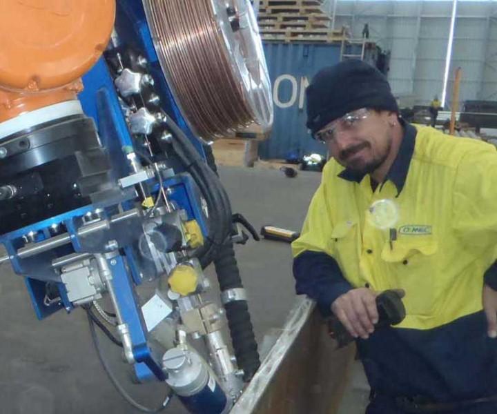 robot-welding-welder-2